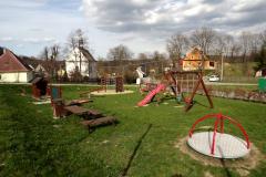 Dětské hřiště 30m od chalupy